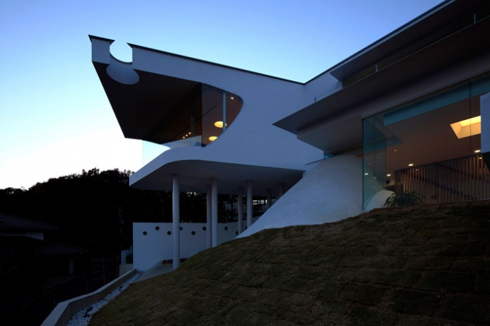 Mountains And Openings Residence By EASTERN Design Office Yatzer