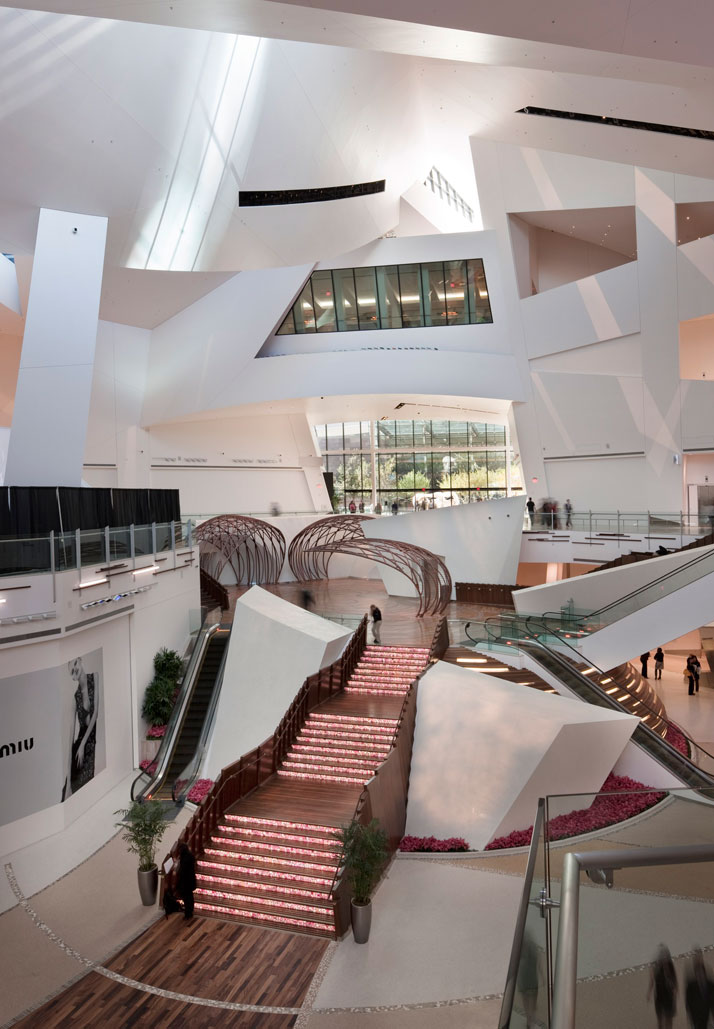 Crystals by daniel libeskind for mgm mirage city center for Daniel libeskind architectural style