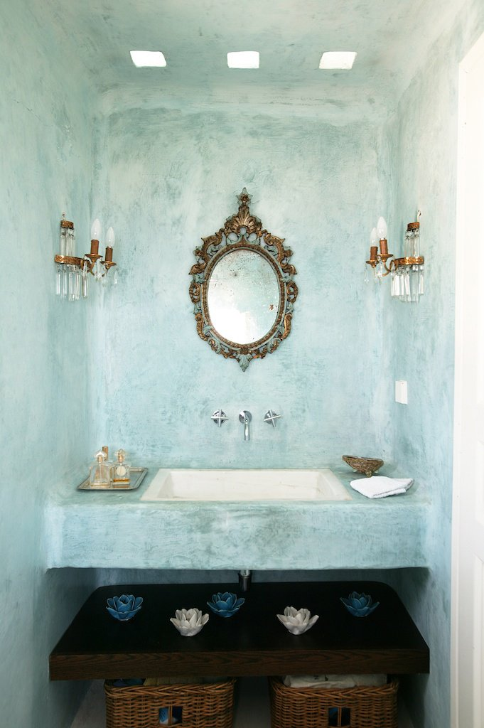 Private house in tinos yatzer for Greek style bathroom design