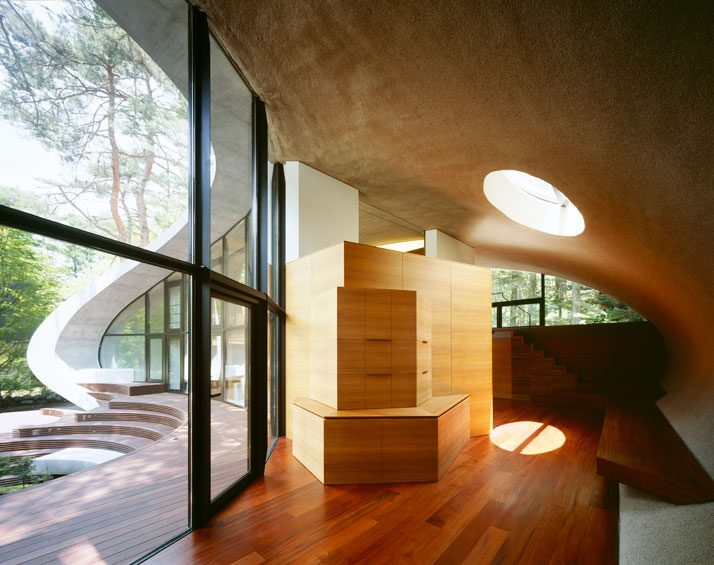 photo (c) Nacasa & Partners Inc., Image Courtesy of Kotaro Ide // ARTechnic Japan