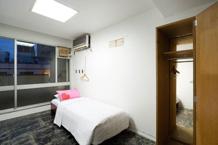 Rooms 309-314 by the LLOVE Creative Team and architect Jo Nagasaka, photo (c) 太田拓実 / Takumi Ota.