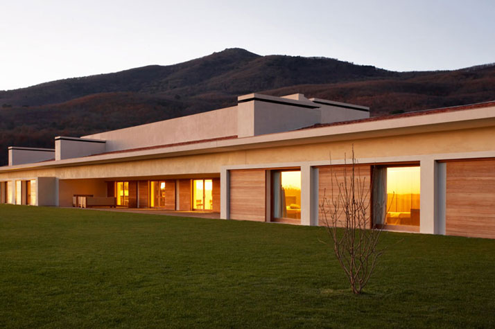 a single story dwelling in avila by a cero architects yatzer jugando on line ya llega home design story
