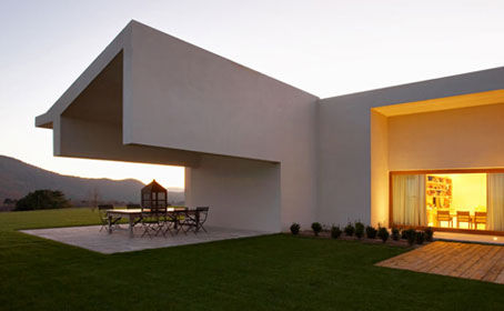 A Single Story Dwelling in Avila by A-cero architects