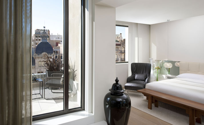 Barcelona suite Image Courtesy of Mandarin Oriental Hotel Group photo © George Apostolidis
