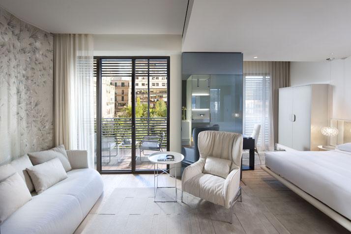 Mandarin Terrace room Image Courtesy of Mandarin Oriental Hotel Group photo © George Apostolidis