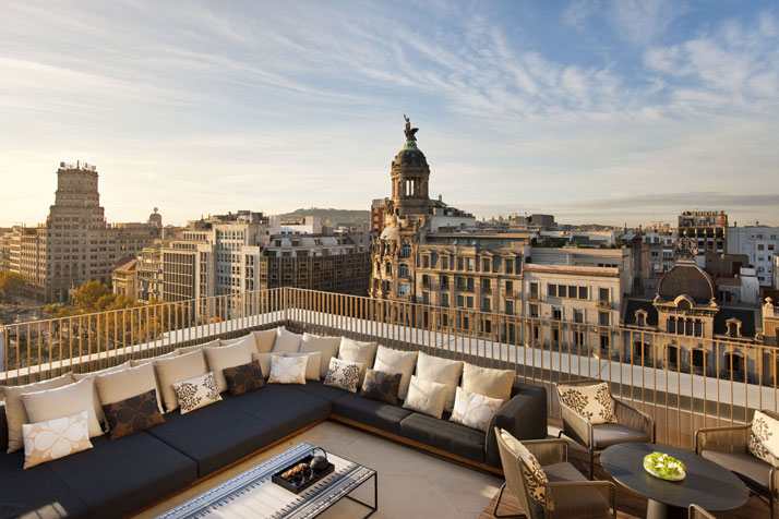 Penthouse terrace Image Courtesy of Mandarin Oriental Hotel Group photo © George Apostolidis