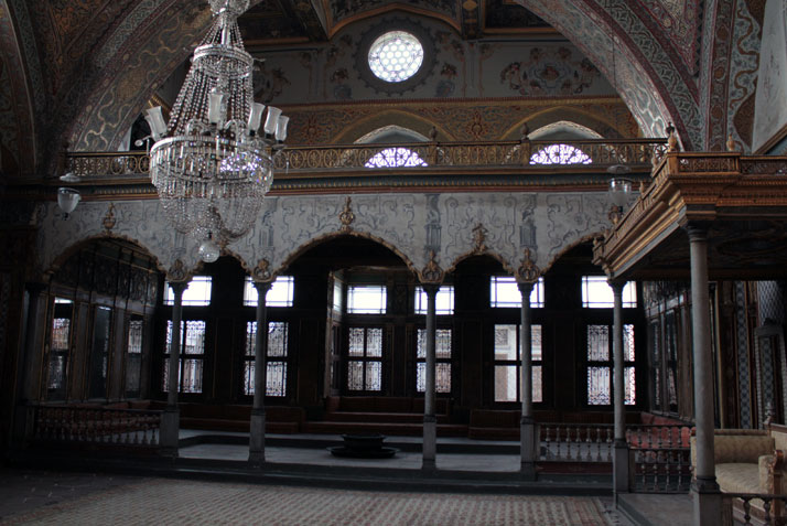 into the magic world of Topcapi Palace,Marmara, Istanbul.  photo © Costas Voyatzis for Yatzer.com
