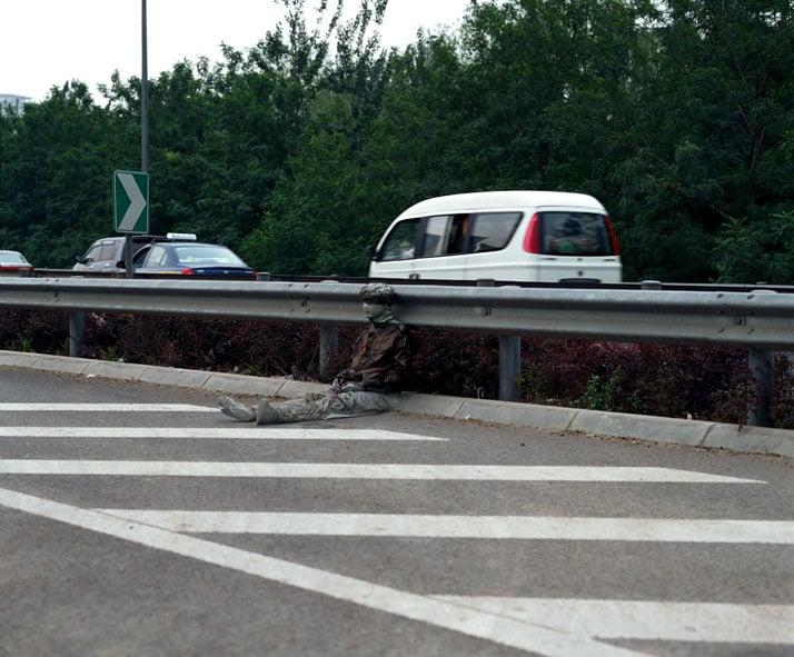 Hiding in the City No. 52, Freeway 2007, © Liu Bolin Courtesy of Eli Klein Fine Art Gallery