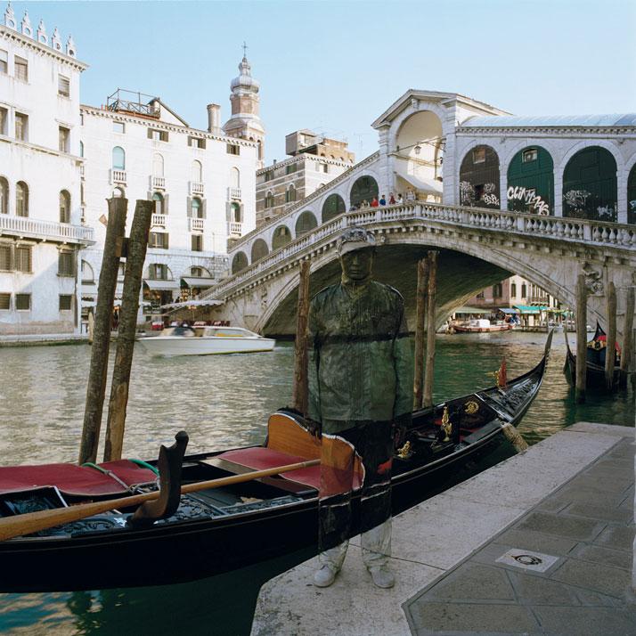 Ponte di Rialto, 2010, © Liu BolinCourtesy of Eli Klein Fine Art Gallery
