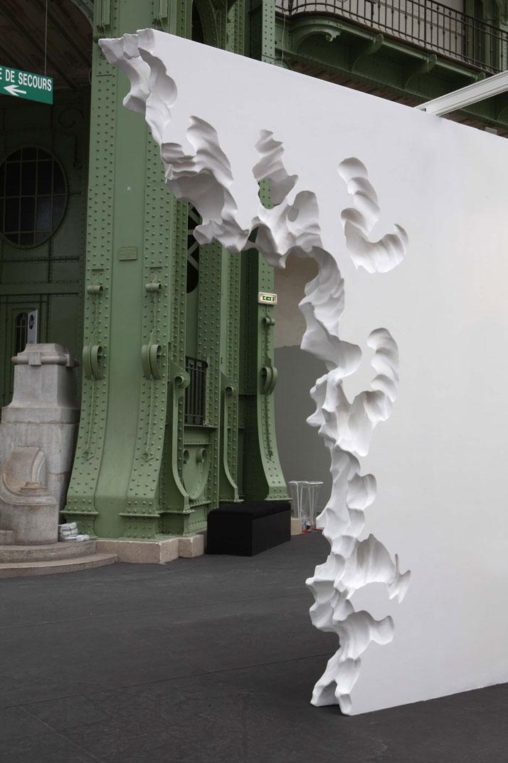 Daniel ARSHAM Wall Erosion Arch (1) 2009 Polystyrène, enduit pour joint, peinture / EPS foam, joint compound, paint 221 x 350 x 30 cm / 7.3 feet x 11.