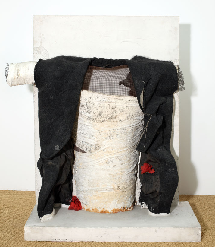 Vlassis Caniaris, Interrogation, 1969, plaster, wire, fabric, plastic, 110x60x50cm.Courtesy of The Breeder, Athens