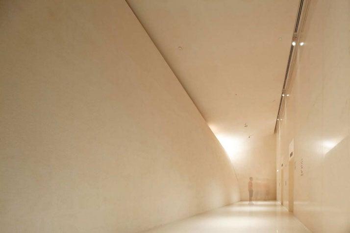 Elevator hall at ground floor lobby/ // photo © Wison Tungthunya