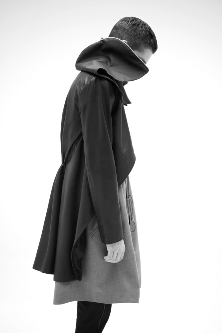 MULTIDIMENSIONAL, HOMME A/W 2011-12 photo © Yannis Bournias 2011