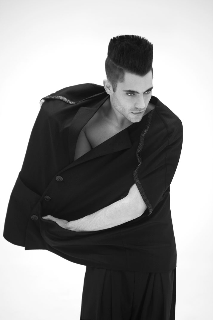 MULTIDIMENSIONAL, HOMME A/W 2011-12 photo © Yannis Bournias 2011