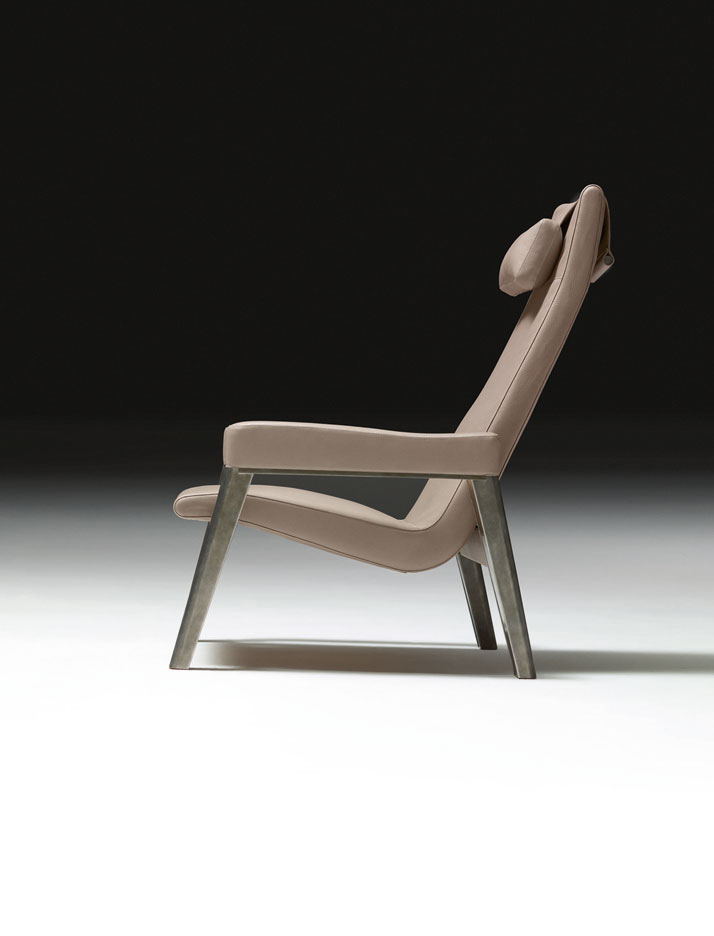 Designer: Antonio CitterioArmchair for reading and resting in stainless steel with surface patina and turtledove Clémence bull calf, Matières collecti