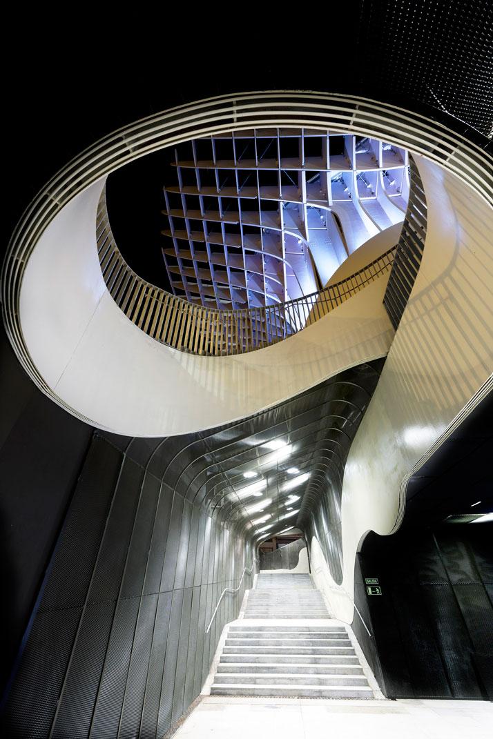 metropol parasol the world s largest wooden structure yatzer. Black Bedroom Furniture Sets. Home Design Ideas