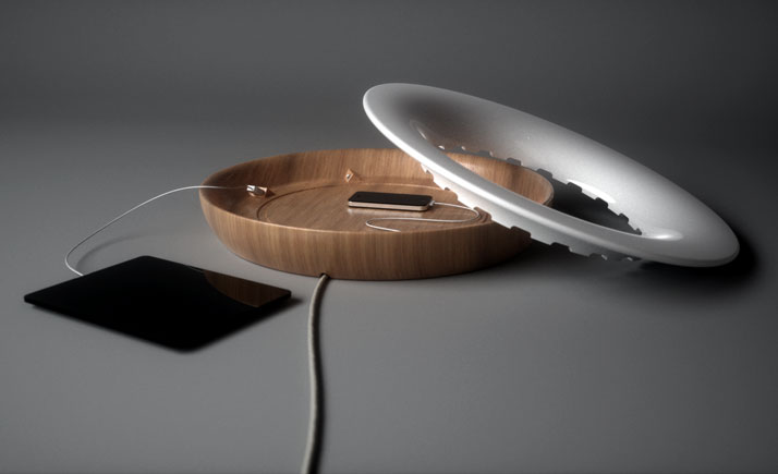 Uffo, USB docking station by en&is design studio