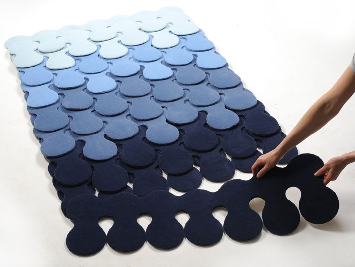 ''Repeat'', growing carpet by Catherine Werdeled