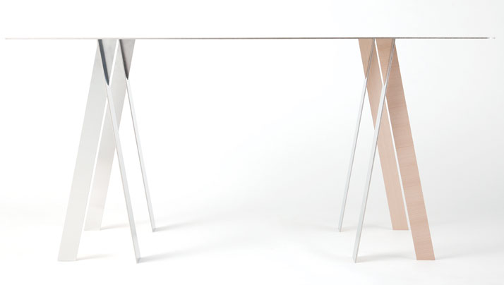 WAFFT table by t/m, photo by Kenta Hasegawa