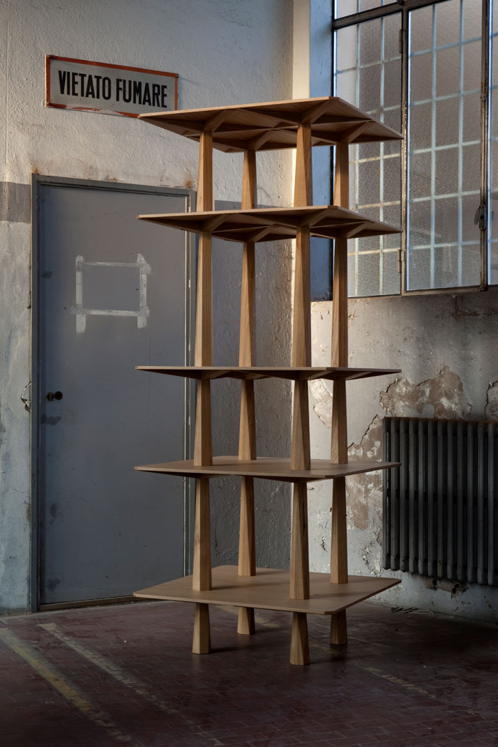 Centina Totem by OEUFFICE