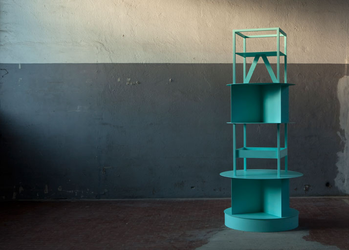 Laveer Totem by OEUFFICE