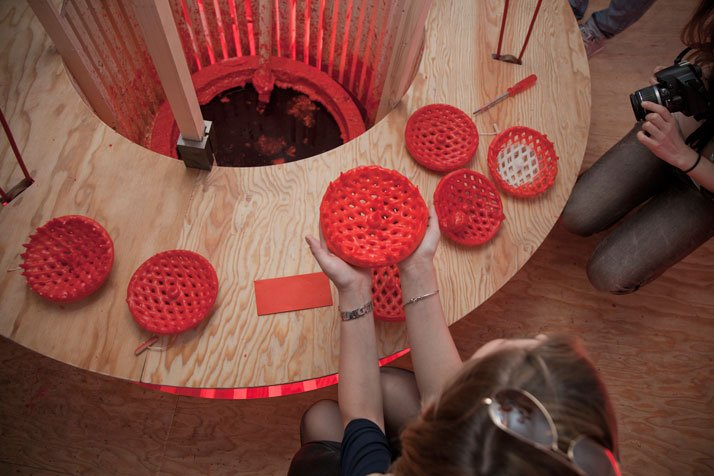 Dip in Space, Milan 2011, Photo by Baptiste Coulon