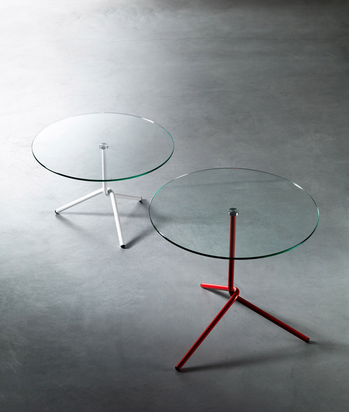 Fil, super minimalistic side table with steel structure and glass top, Image Courtesy of Paolo Cappello