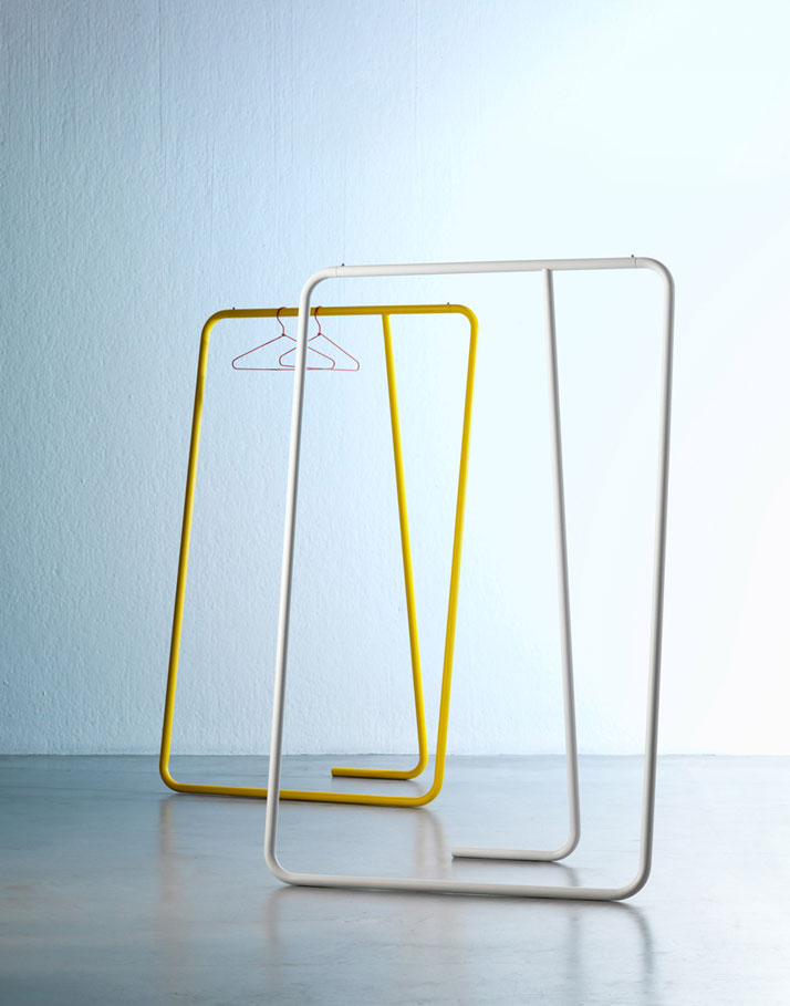 Caio, steel tubular coat hanger, Image Courtesy of Paolo Cappello