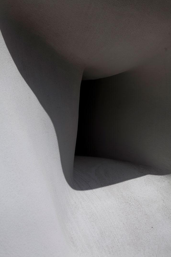 Fat House, 2003 (detail), © Erwin Wurm  Courtesy Xavier Hufkens Gallery, Brussels/ Galerie Thaddaeus Ropac, Salzburg/ Paris photo © Jesse Willems