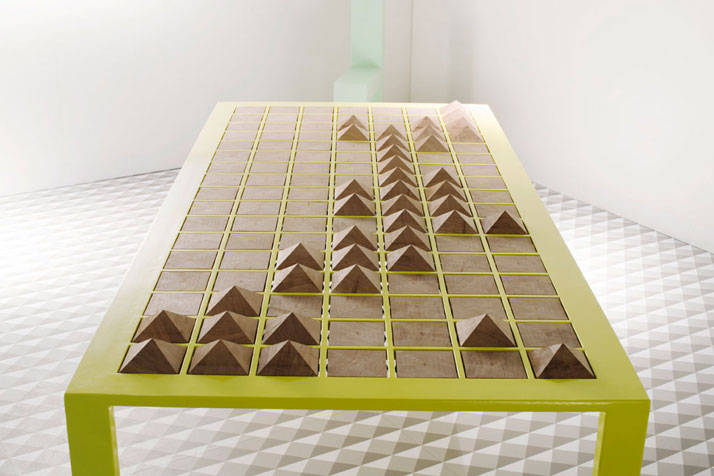 Pyramid table, © Beta Tank