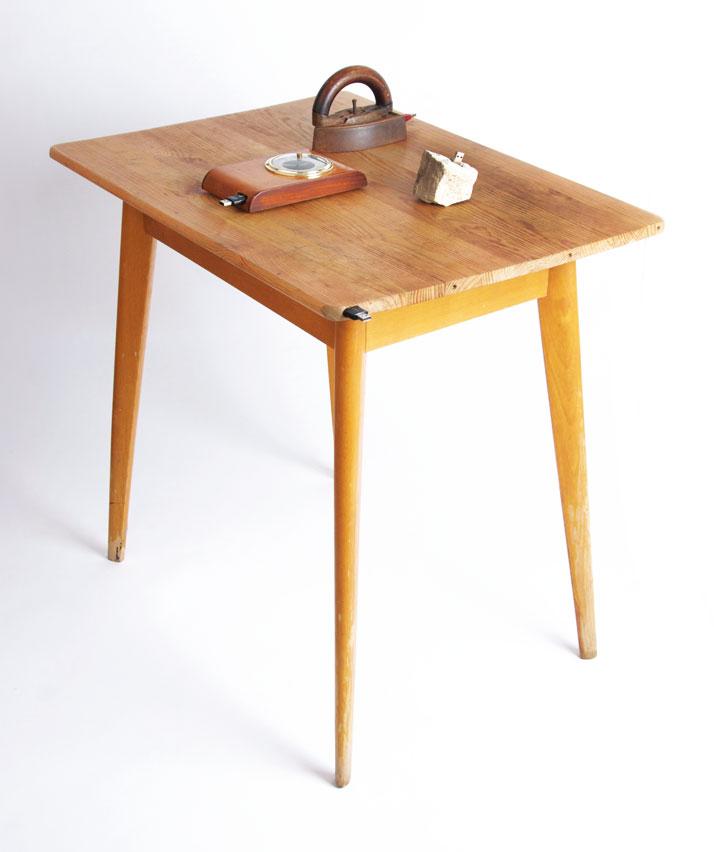 Memory Stücks - table, stone, Barometer and Iron, © Beta Tank, 2009