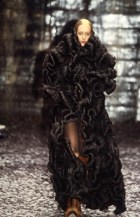 Lady Ugolino A // McQueen show photo © Maurizio Anzeri