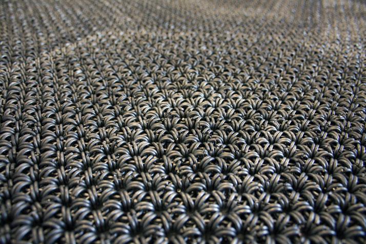 Yachiyo metal rug (detail), photo © Philippe Malouin