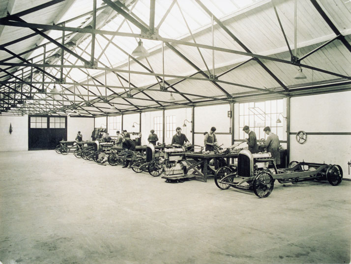Early 20s Cricklewood factory, photo © BENTLEY Motors
