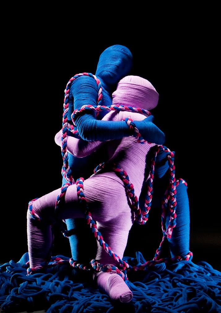 Pas de Deux, © Erik Ravelo, Image Courtesy of United Colors of Benetton