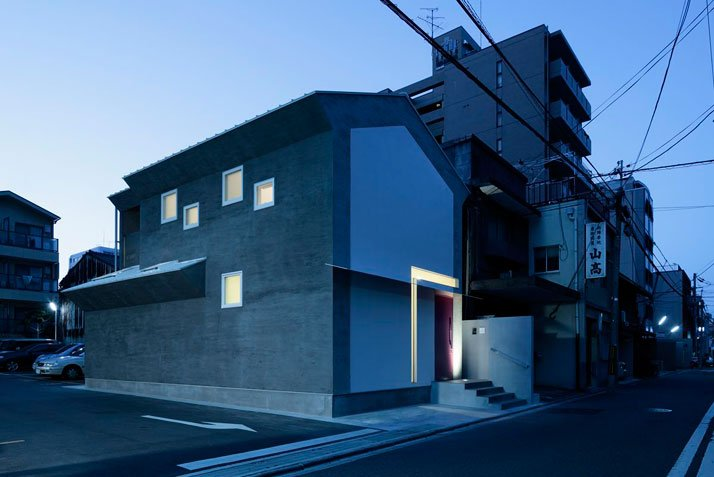photo © Koichi Torimura