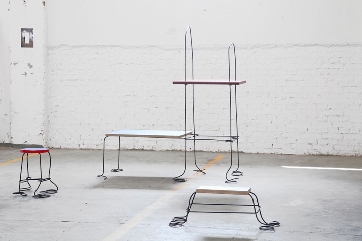 TOBIAS SCHÄFER, DRAWN SHELF AND STOOLS, READY TO RUMBLEdPHOTO © JULIEN RENAULT