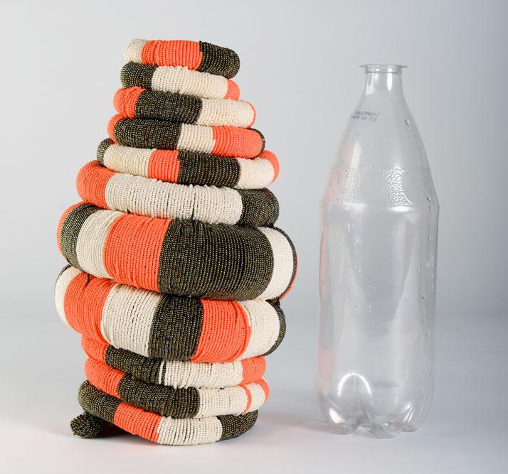Coiled: Medium vase, handmade by Princess Ngonephi Ngcobo, photo © Hironori Tsukue