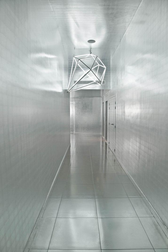 The Silver Corridor and its Diamond chandelierphoto © Martine Houghton