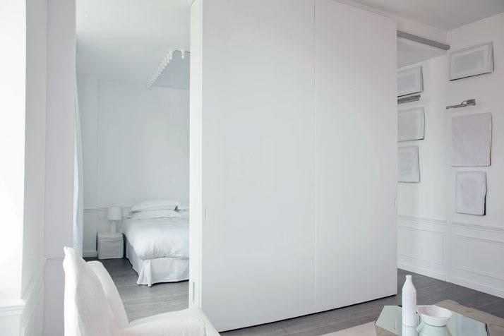 Suite 143 - Houssée de blanc,  photo © Martine Houghton