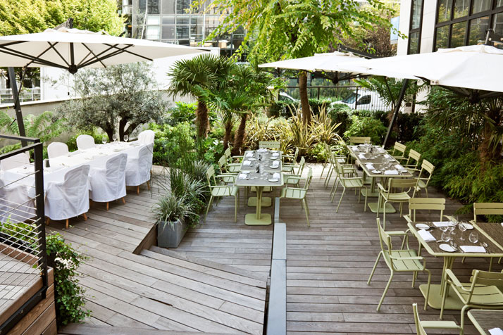 Terrace,   photo © Martine Houghton