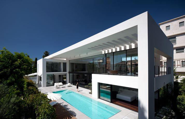 Contemporary Bauhaus Residence on the Carmel by Pitsou Kedem ...