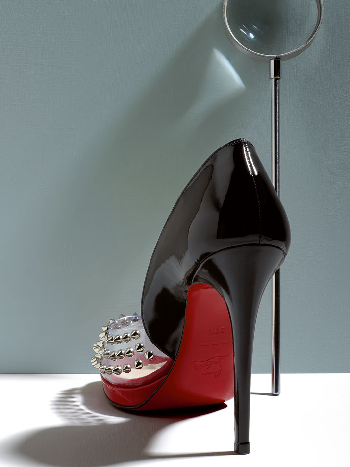 Christian Louboutin, Engin Spikes, Patent PVC Peep Toe Pump Spphoto © Philippe Garcia