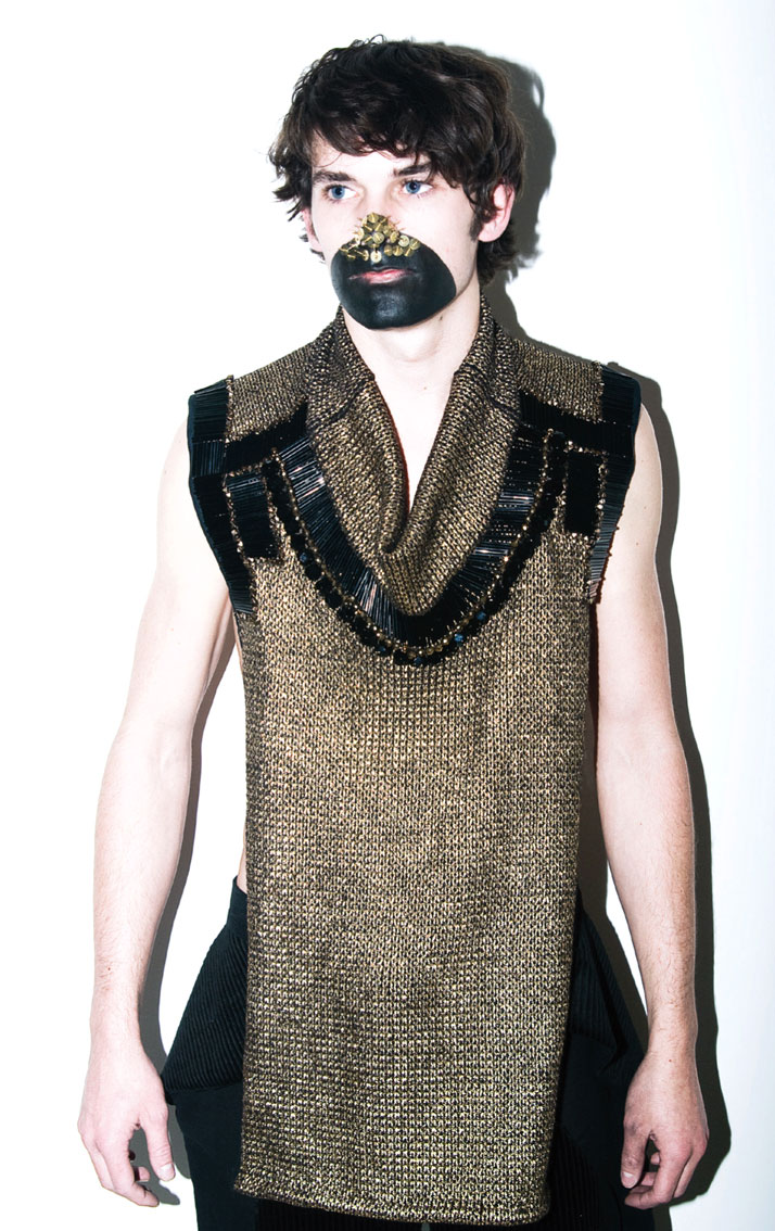Un animal devra mourir FW 2010-11  photo © MARTIN BING, Courtesy of Giuseppe Virgone