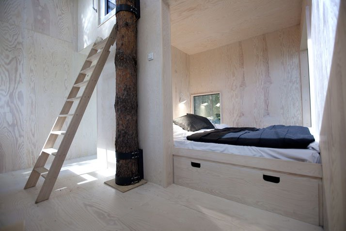 The Mirror cube (interior)Photo© Peter Lundstrom, WDO | Treehotel