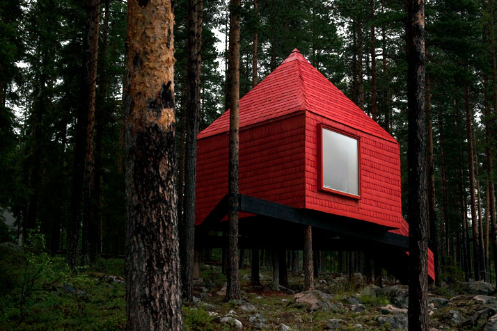 The Blue cone - boomhotel - Harads, Zweden - © Peter Lundstrom, WDO