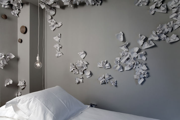 ROOM 322Wall Flower by Iris Kloppenburgphoto © Mirjam Bleeker