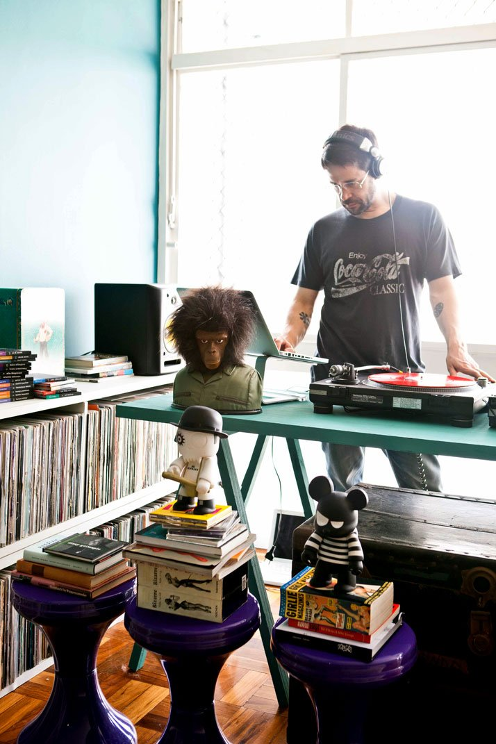 The house of dj pil marques in s o paulo brazil r u m t o s s e t - The narrow house of sao paolo ...