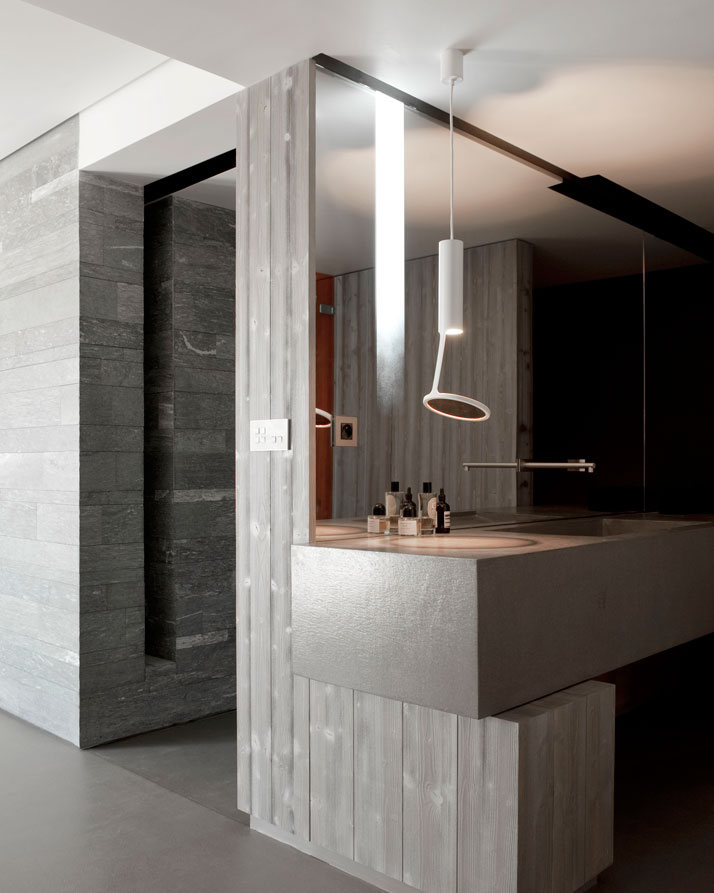 SDB SUSPENSION: Loup O ceiling, Kundalini. SDB MIROR: sandblasted , shaded mirror, backlit. VANITY SINK: metal support, Ductal structure with concrete