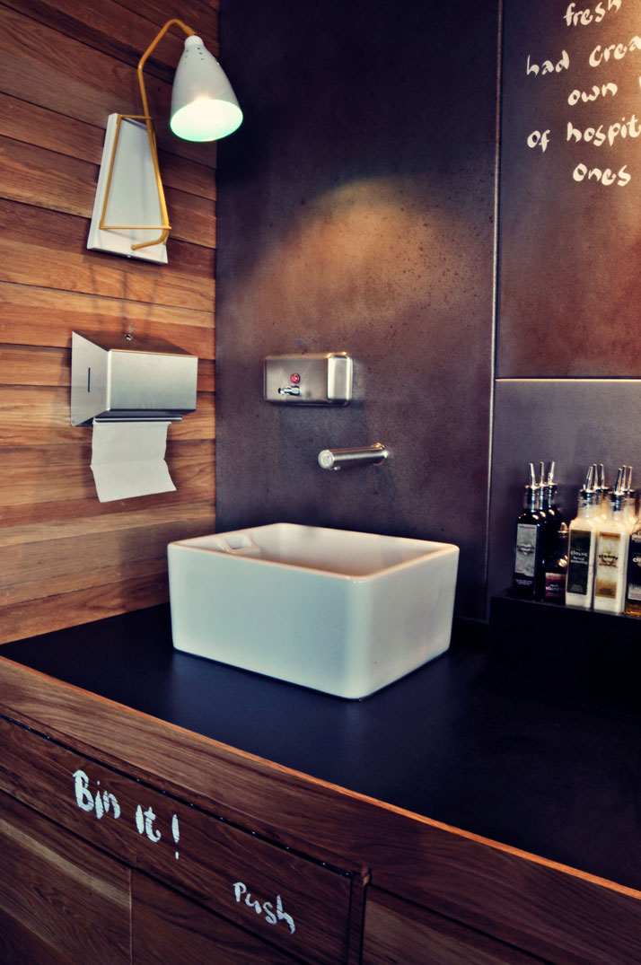 Nando 39 s in ashford kent uk by blacksheep yatzer for Bathroom designs kent